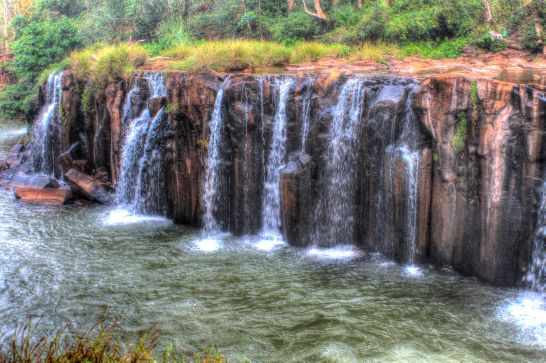 Laos Reisen Foto Bolaven Pha Suam 12